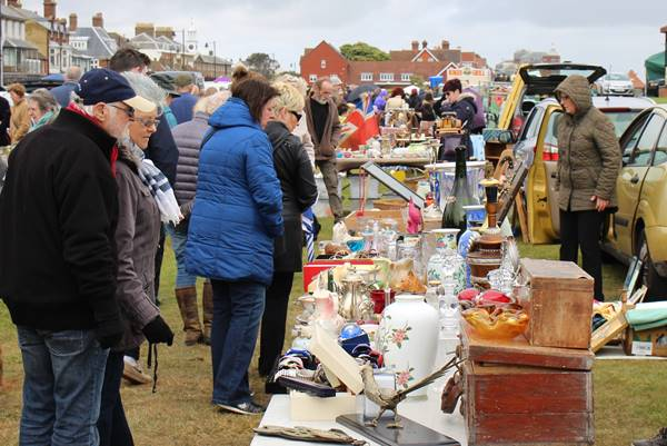 Photo for the event - BANK HOLIDAY BROCANTE ON WALMER GREEN